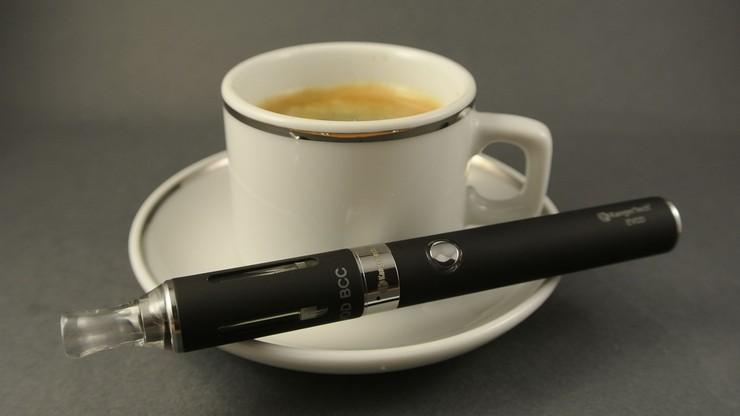 E-papierosów nie będzie można używać tam, gdzie jest zakaz palenia. Sejm przyjął ustawę