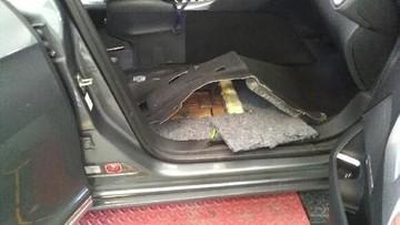 19-06-2017 14:45 117 kg haszyszu w samochodzie 41-letniego Rosjanina. Podlascy pogranicznicy zatrzymali przemyt