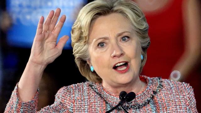 USA: FBI bada sprawę skradzionych maili szefa sztabu Clinton