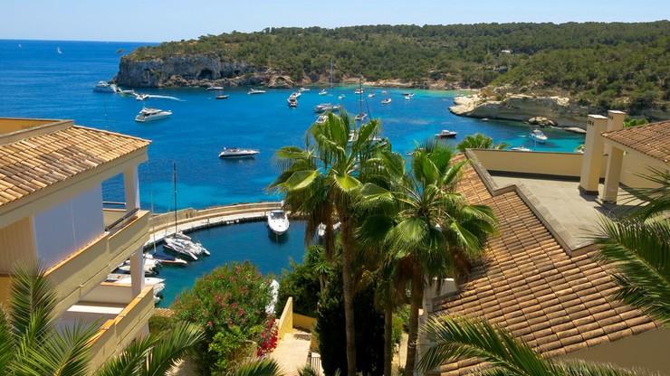 """Drożeją wczasy na hiszpańskich wyspach. Nowa opłata """"klimatyczna"""" dla turystów"""