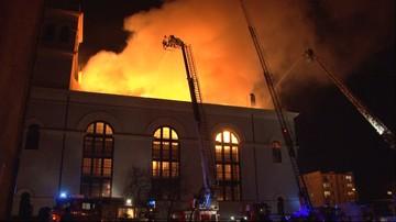 03-01-2016 21:29 Ogromny pożar kościoła w Braniewie ugaszony