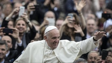 13-04-2016 12:25 Papież pozdrowił Polaków w związku z 1050. rocznicą Chrztu Polski