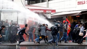 05-11-2016 16:08 Demonstracja w Stambule. Policja użyła gazu łzawiącego i armatki wodnej