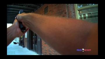 Kula przeszła tuż obok głowy. Aktor omal nie zginął, bo policjant pomylił go z bandytą