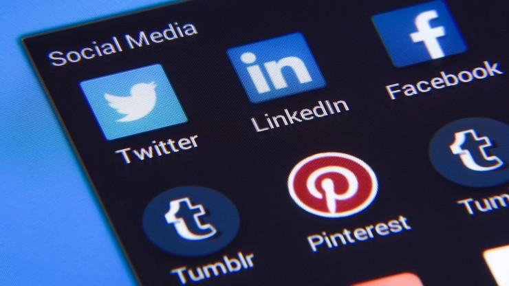 Globalna synchronizacja. Wspólne fale aktywności ludzi w mediach społecznościowych