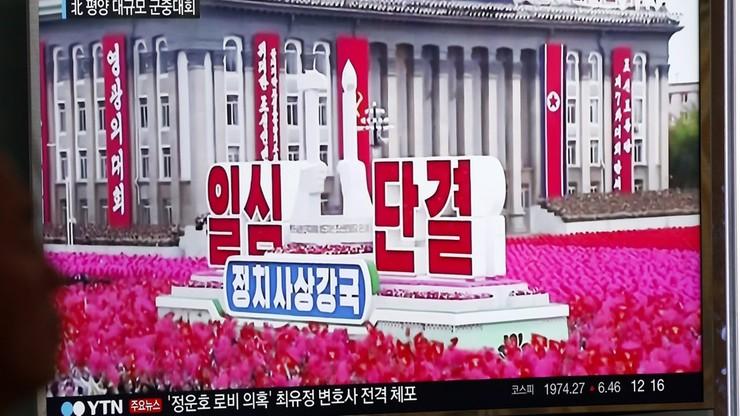 Wielka parada na koniec zjazdu Partii Pracy Korei