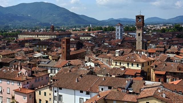 Włochy: w mieście Lukka szukano ducha Napoleona