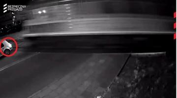 09-08-2017 18:51 Staranowała szlaban i zatrzymała się na przejeździe. Pociąg uderzył w tył auta