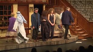 Wpadki i wypadki na scenie - co przytrafiło się aktorom w teatrze