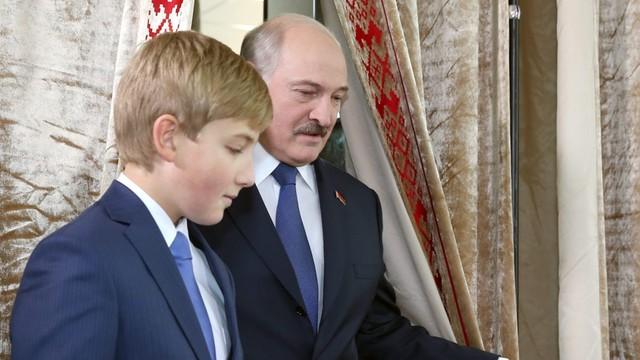 Łukaszenka: do szkoły nie wcześniej niż na dziewiątą