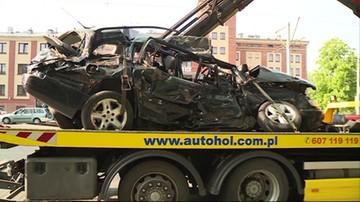 Tragiczny wypadek w Bydgoszczy. TIR staranował taksówkę. Trzy ofiary