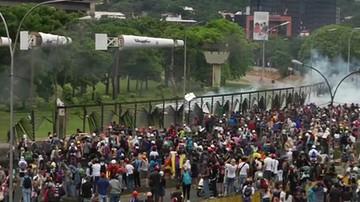 2017-06-25 Kolejne wielotysięczne demonstracje w Wenezueli. Prezydent: to zamach stanu