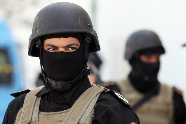 Zatrzymano 9 podejrzanych terrorystów, wojsko wchodzi do miast