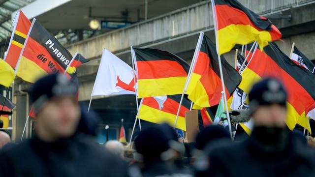 Niemcy: wzrost poparcia dla antyislamskiej i antymigranckiej AfD