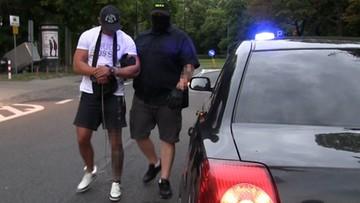 """13-07-2016 10:23 """"Łowcy cieni"""" zatrzymali poszukiwanego listem gończym. Użyli granatów hukowych"""
