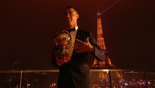 Cristiano Ronaldo po raz piąty zdobywcą Złotej Piłki. Rozczarowujące miejsce Lewandowskiego