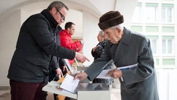28-02-2016 13:37 Deportacja za przekroczenie prędkości. Referendum ws. cudzoziemców w Szwajcarii