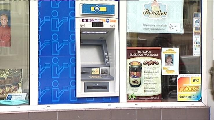 Bankomaty nie wydają pieniędzy, ale te znikają z konta. Awaria dużej sieci