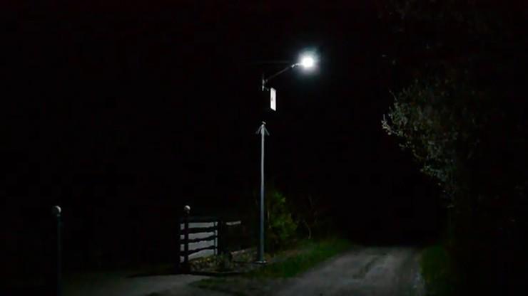 Dyskoteka w domach mieszkańców. Winna… nowoczesna latarnia