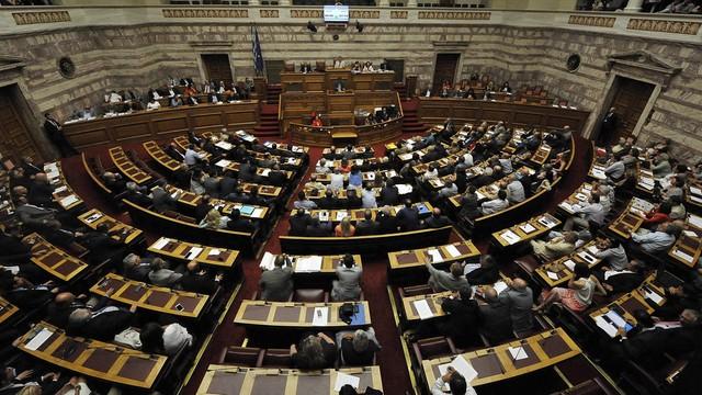 Grecja: parlament uchwalił reformy oszczędnościowe
