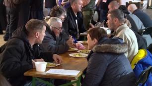 Kraków wspiera bezdomnych i ubogich. Na Małym Rynku stanął Namiot Wdzięczności