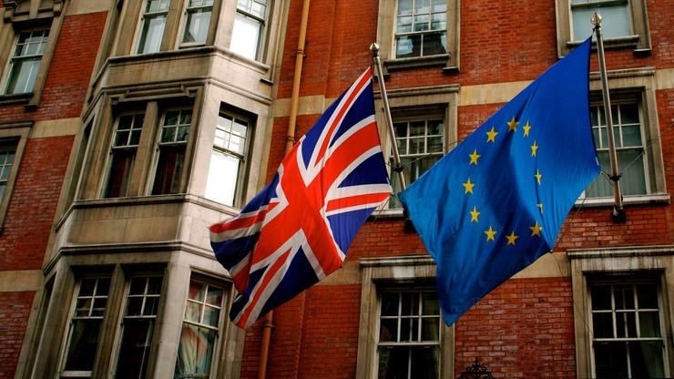 54 proc. Brytyjczyków za pozostaniem w UE, 46 proc. przeciw