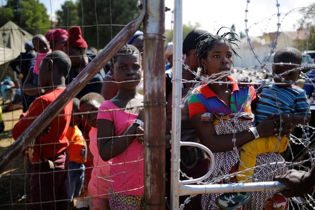 RPA: wojsko pomaga policji kontrolować antyimigranckie zamieszki
