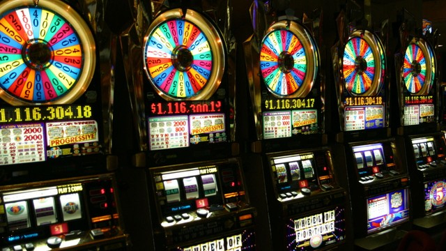 Posłowie za monopolem państwa w grze na automatach