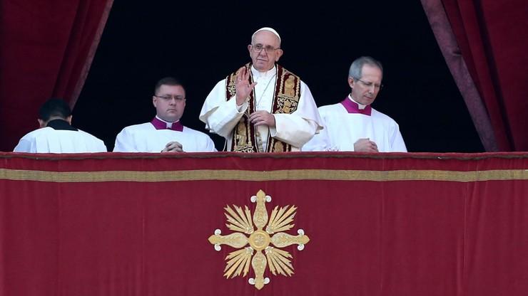 Wizyta w Polsce, reforma Kurii Rzymskiej, procesy. Przed papieżem pracowity rok