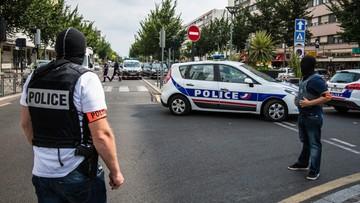 26-07-2016 22:18 Śledztwa wokół wzajemnych oskarżeń MSW i władz lokalnych Nicei