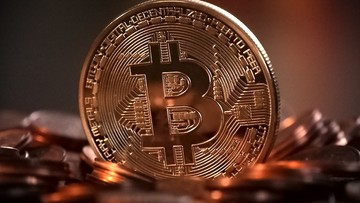 07-07-2017 11:35 NBP i KNF ostrzegają przed wirtualnymi walutami