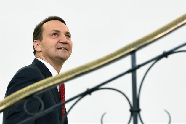 Opozycja chce odwołać Sikorskiego. Dziś debata w Sejmie