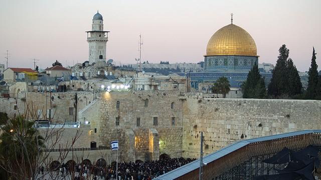Izrael: duchowni wzywają muzułmanów do powrotu na Wzgórze Świątynne