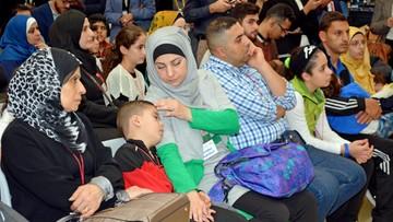 24-10-2016 13:28 Kolejna grupa uchodźców z Syrii  przybyła do Włoch mostem humanitarnym