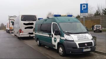 12-03-2016 18:51 Pijani kierowcy autokaru wiozącego dzieci zatrzymani na A4