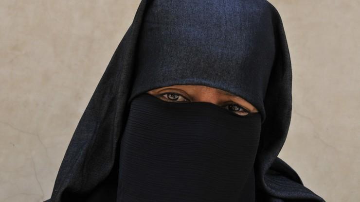 Włochy: wyrok za odmowę zdjęcia nikabu w urzędzie