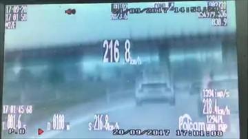 Pędził 216 km/h w deszczu na autostradzie. Policja zatrzymała instruktora bezpiecznej jazdy