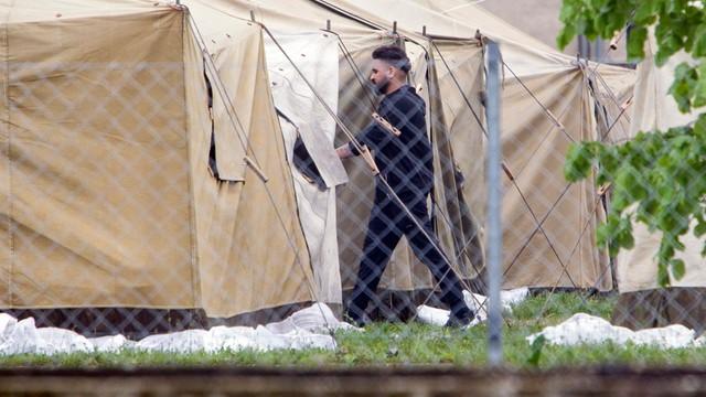 Włochy: w ośrodkach przebywa rekordowa liczba migrantów