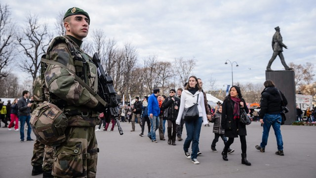 Francja: Zatrzymano cztery osoby podejrzane o planowanie zamachu
