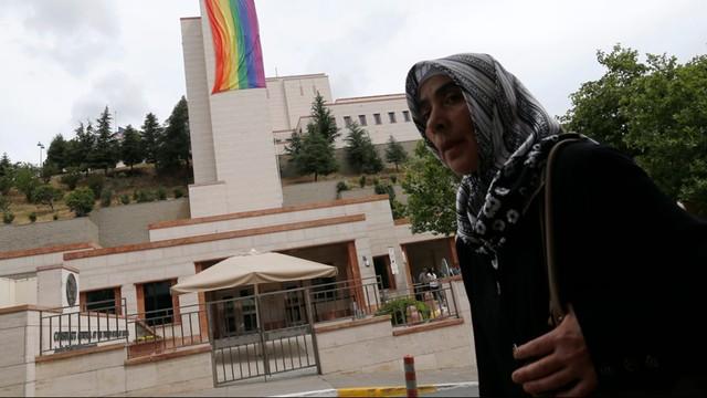 Władze Stambułu zakazują tegorocznej parady LGBT