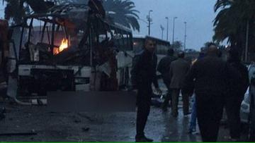 24-11-2015 20:07 Zamach na gwardię prezydencką w Tunisie. Nie żyje co najmniej 12 osób