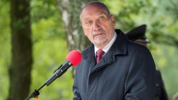 03-09-2017 15:32 Macierewicz: Polska musi mieć armię, która będzie zdolna sama obronić ojczyznę