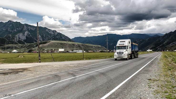 Rosja wstrzymała tranzyt towarów z Ukrainy. Kijów: to dyskryminacja
