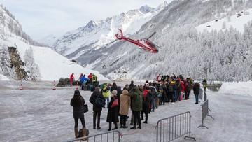 Rekordowe opady śniegu w Alpach odcięły od świata tysiące turystów. Lawiny wdzierają się do domów