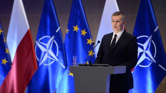 Siemoniak: Nie da się powstrzymać Rosji bez trwałej obecności NATO w regionie