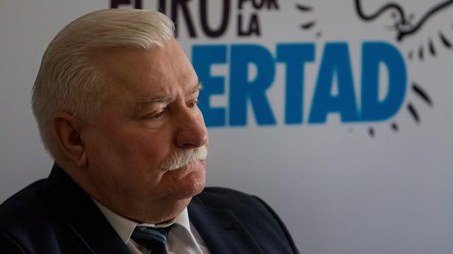 Wałęsa o esbekach: pisali za mnie donosy, by brać na moje konto pieniądze