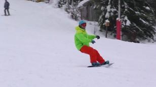 Śnieg zaskoczył nawet górali. W Beskidach można już szusować na nartach