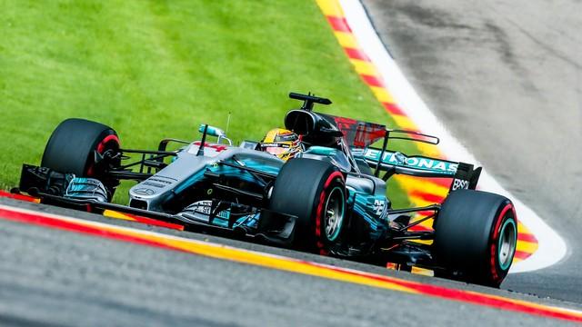 Formuła 1 - Hamilton wygrał kwalifikacje i wyrównał rekord Schumachera