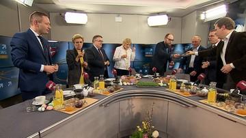 """16-04-2017 10:55 Gustowny fartuszek, keks """"bez maszynki"""" i rolady wołowe. Święta w domach polityków"""