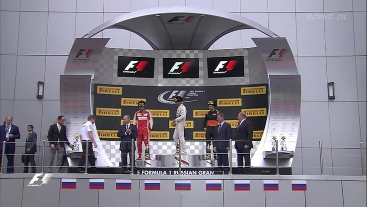 Hamilton uhonorowany przez Putina! Dekoracja po GP Rosji